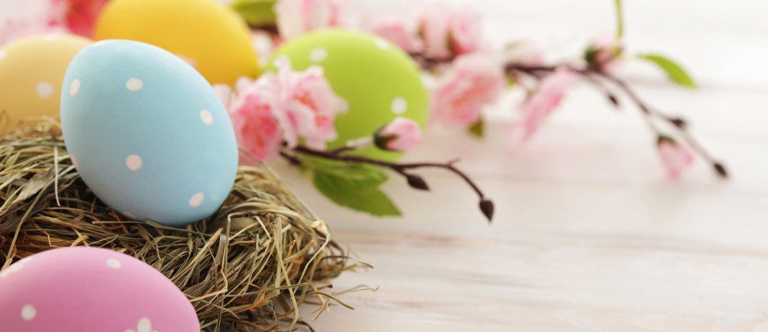 Free-Easter-Wallpaper-HD-for-Desktop-Collection-16-1110x480